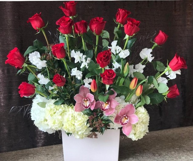 Big Tall and Beautiful Red Rose Arrangement